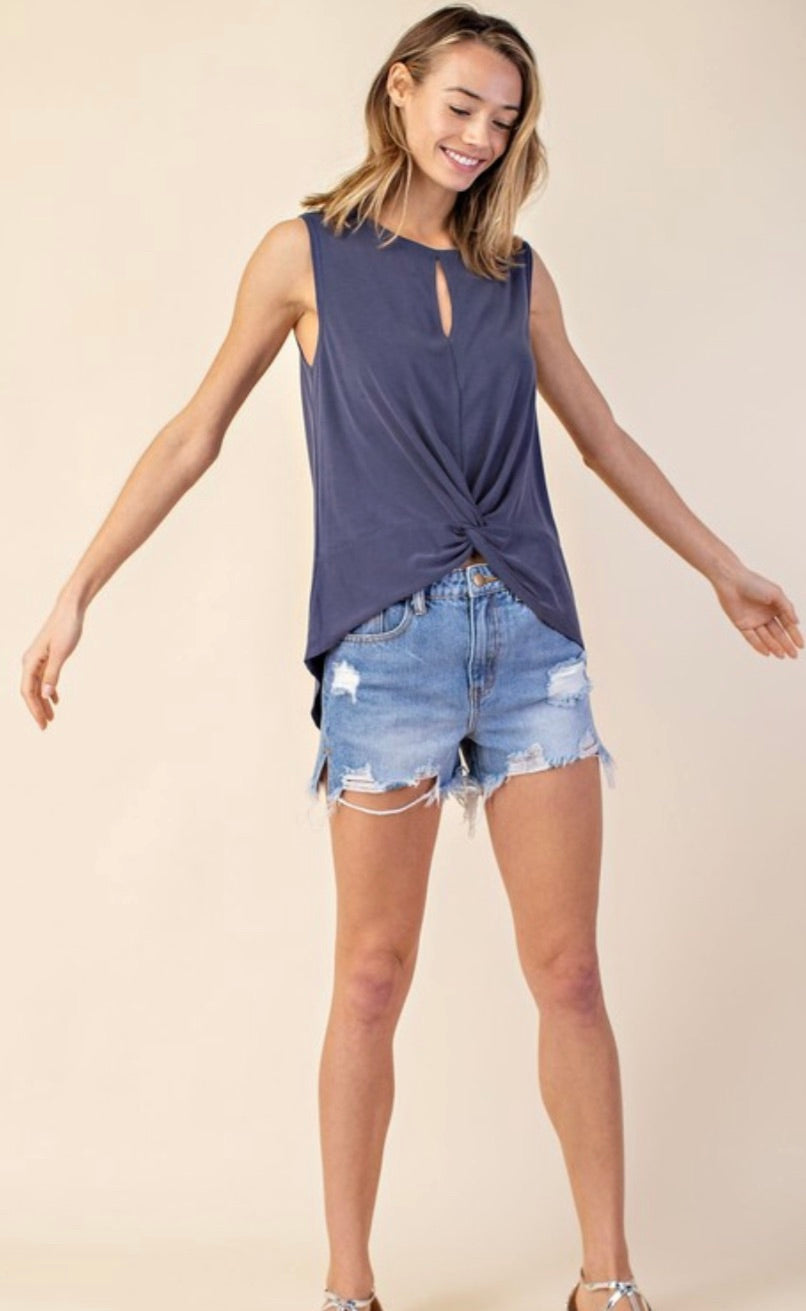 Sleeveless High-Low Knot From Top | Cheeky Cactus