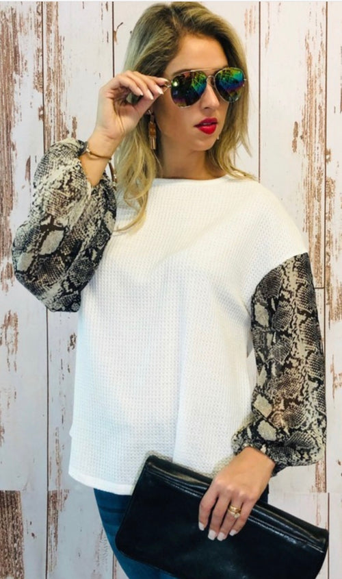 Snake Print bubble sleeve, white knit top
