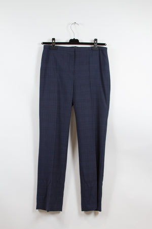 Screenbid Media Company, LLC. - Elie Tahari Navy Suit Size 8