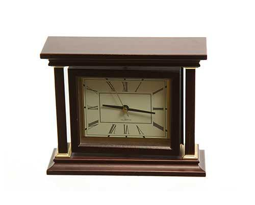 Justified Shelf Clock