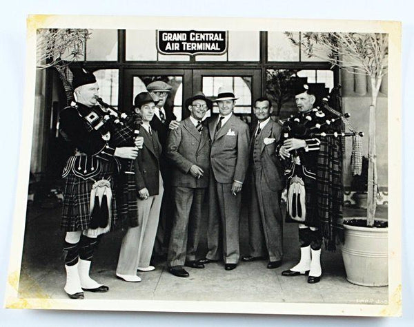 Laurel & Hardy Photo of Stan Meeting James Finlayson Original Stax Photo-1