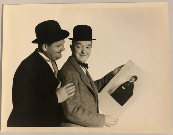Laurel & Hardy Black and White Glossy Photo, Landscape (Laurel & Hardy Posing Looking at a Little Kids Photo)-1