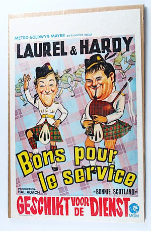 Screenbid Media Company, LLC. - Laurel & Hardy Movie Poster Bons Pour Le Service (Picture of Laurel & Hardy in Kilts in French) Bonnie Scotland (1935)