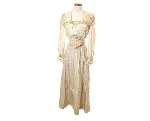THE BROTHERS GRIMM: Angelika's Gold Flower-Patterned Blouse & Skirt-1