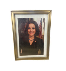 VEEP: Framed Photo of Selina in the White House