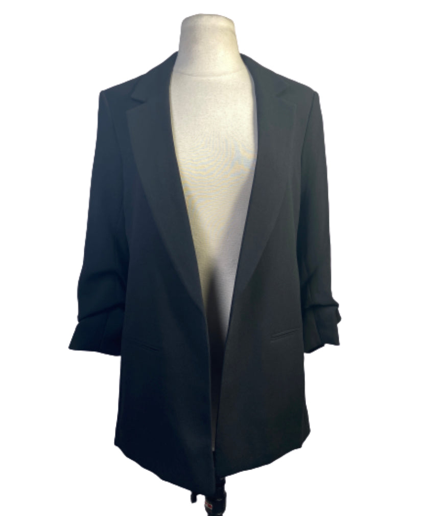SILICON VALLEY: Monica's Black H&M Blazer