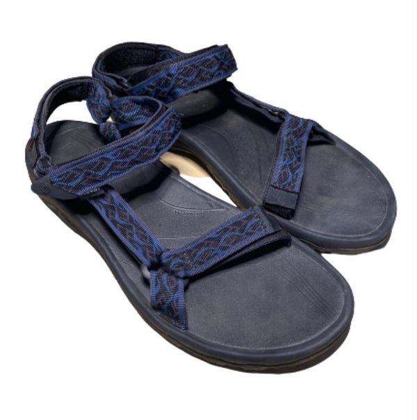 SILICON VALLEY: Erlich's Teva Sandals from Epi. 408-1