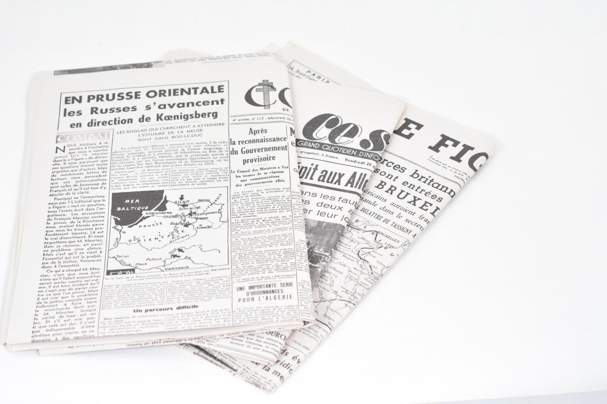 The Monuments Men: Newspaper For Newspaperstand In Claire's Apartment
