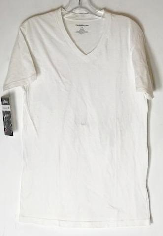 SOA White Croft & Barrow V-neck Tee (size: medium)