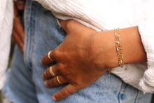 The Shimmer Oval Link Bracelet - White Pearl