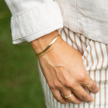 The Herringbone Chain Bracelet