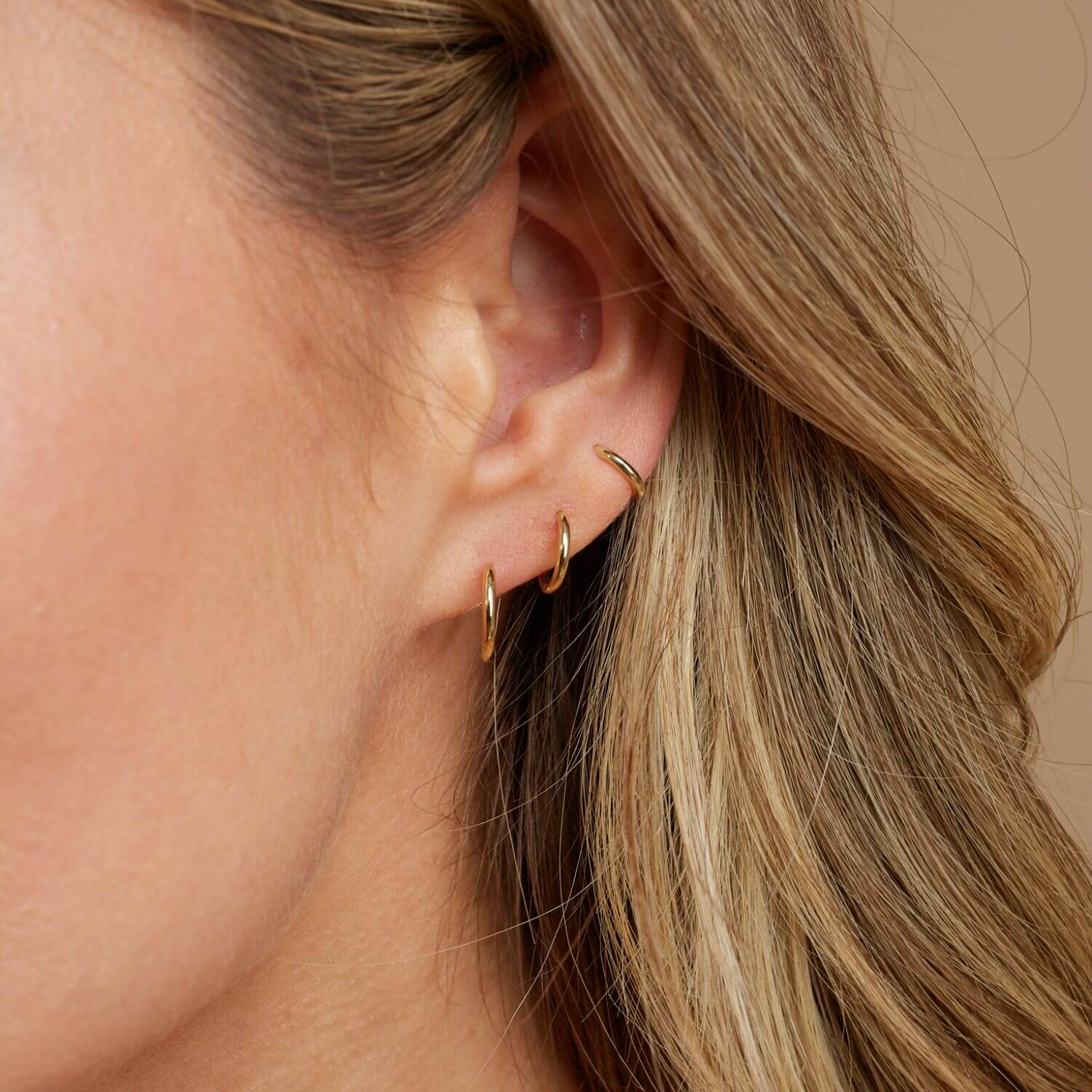 Petit Solid Huggie Earrings