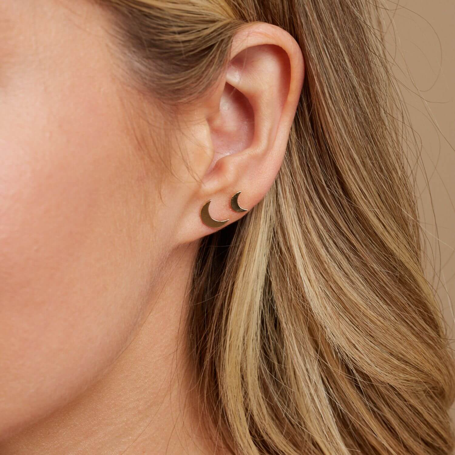 Petit Solid Moon Studs