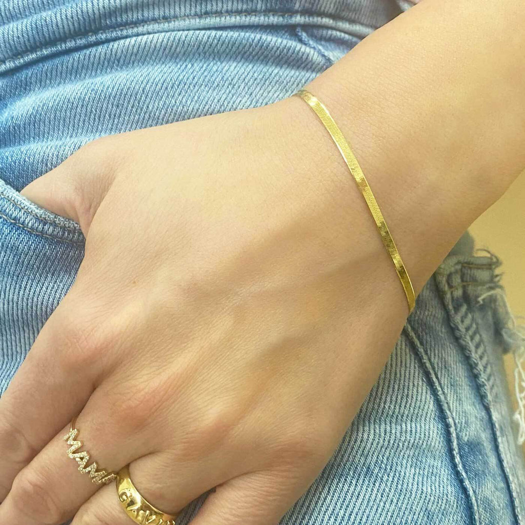 14K Gold Thin Herringbone Bracelet