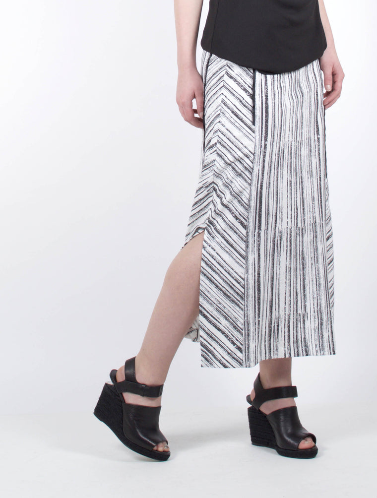 Skirt 9018 Black and White