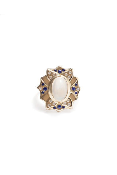 Lotus Rainbow Moonstone Cabochon Ring 18k Yellow Gold.