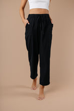 Transitions Cropped Pants In Black