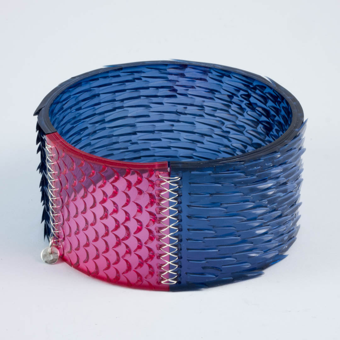Skin deep bangle - dk blue/pink