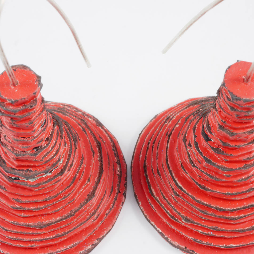 Spool earrings; cone, red
