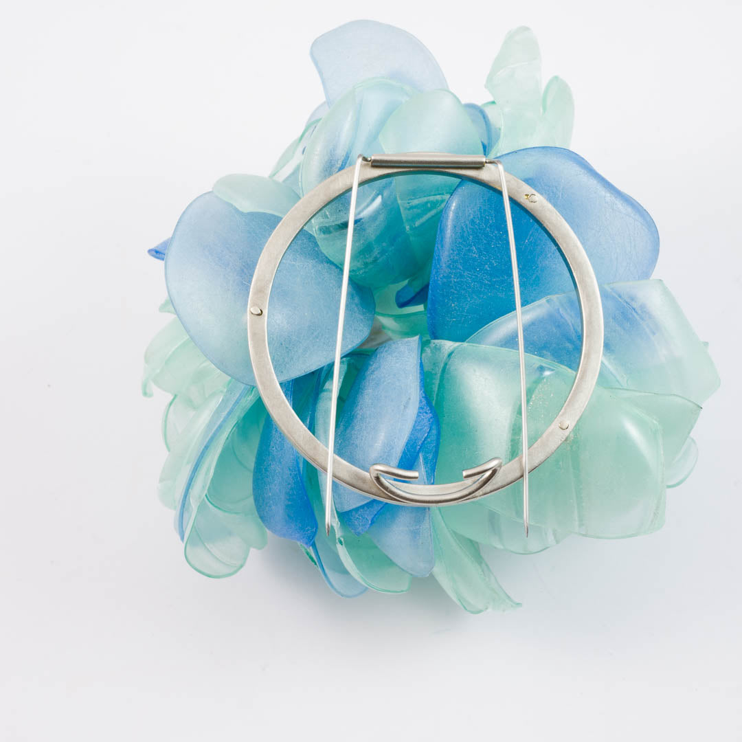 Nature brooch, blue/green