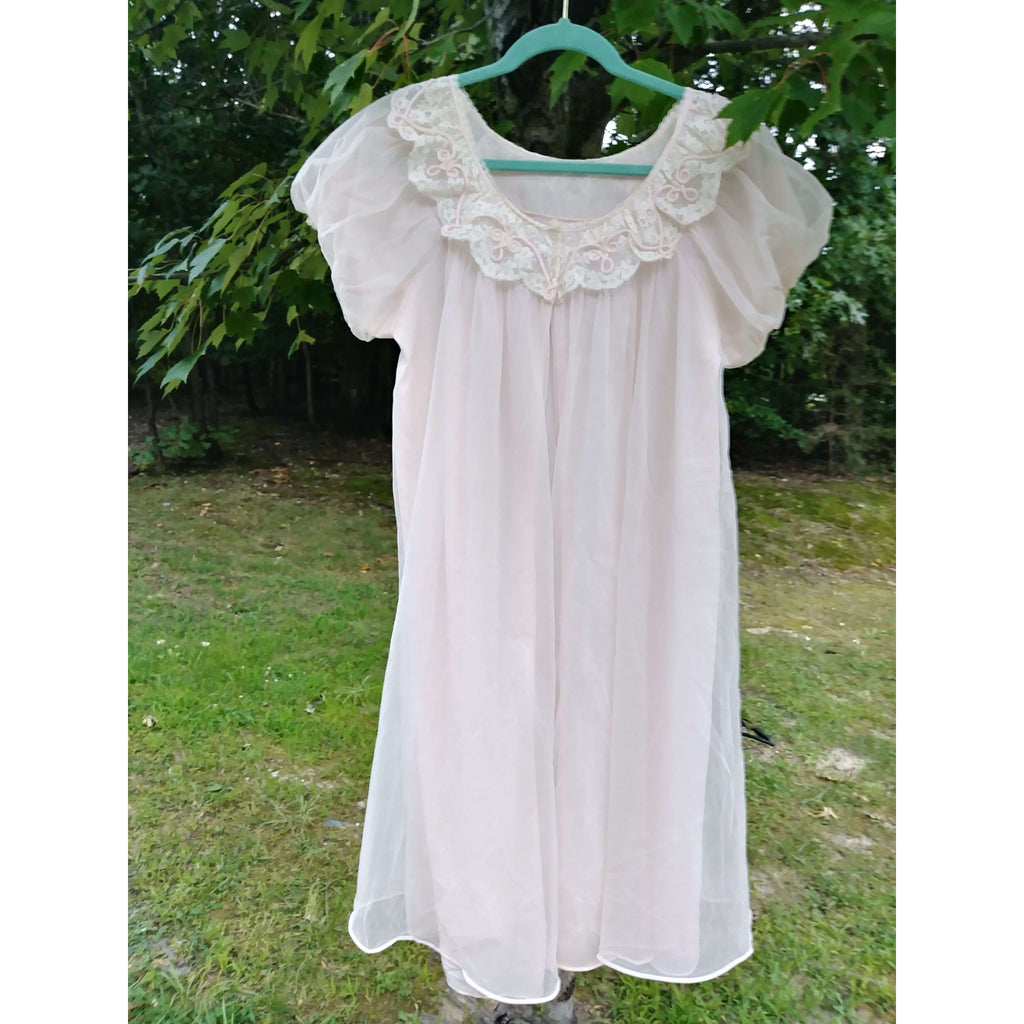 [the_nomadic_attic]:Women's Authentic Vintage Nightie Robe from the 1960s