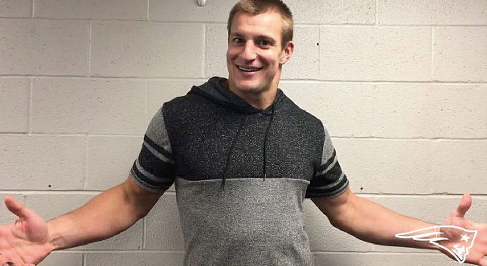 Gronk Proves His Spanish Has Improved Along With His Game | Gronk Nation