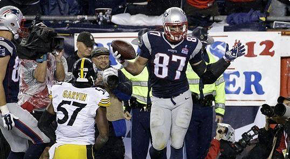 It's Gonna Take a 'Group Effort' From the Steelers to Contain Gronk