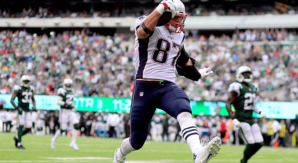 'Twinkle Toes' Gronkowski Earns High Praise From Belichick for His 'Nice Little High Step' | Gronk Nation