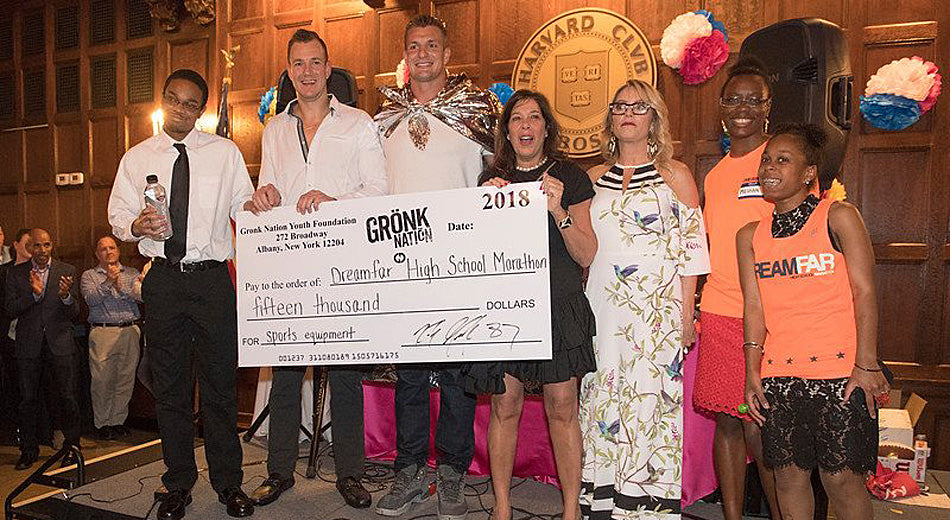 Gronk Throws a Boston TEA-m Party for Marathon Runners Who Raised Over $80K | Gronk Nation