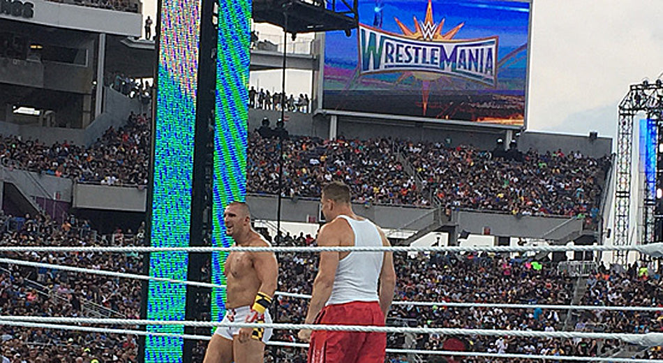 Gronk Warns WWE Superstar Mojo Rawley Not to Turn Heel on Him After SmackDown 'Craziness!'