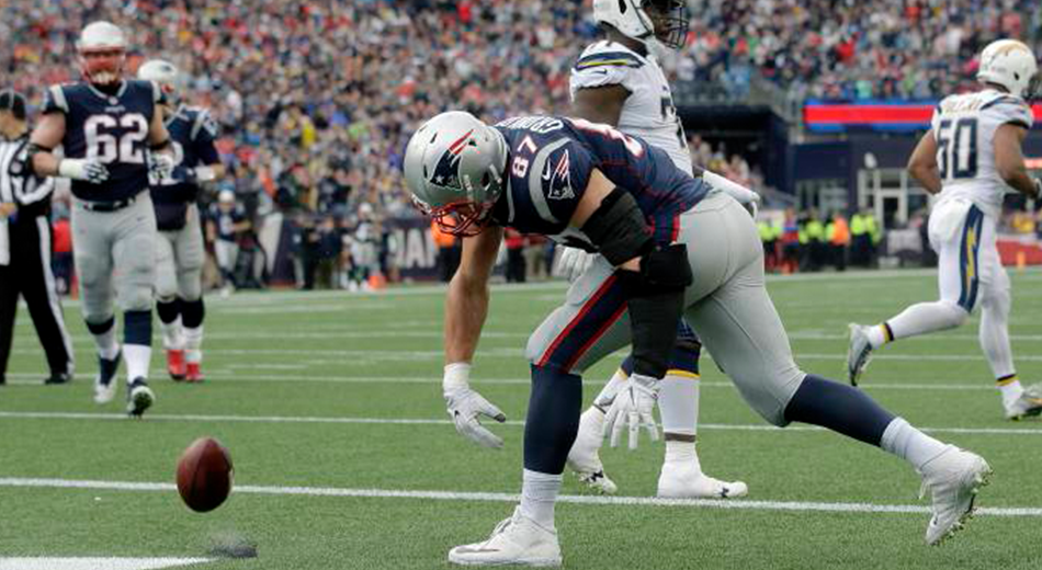 Gronkowski Scores in Win over Chargers | Gronk Nation