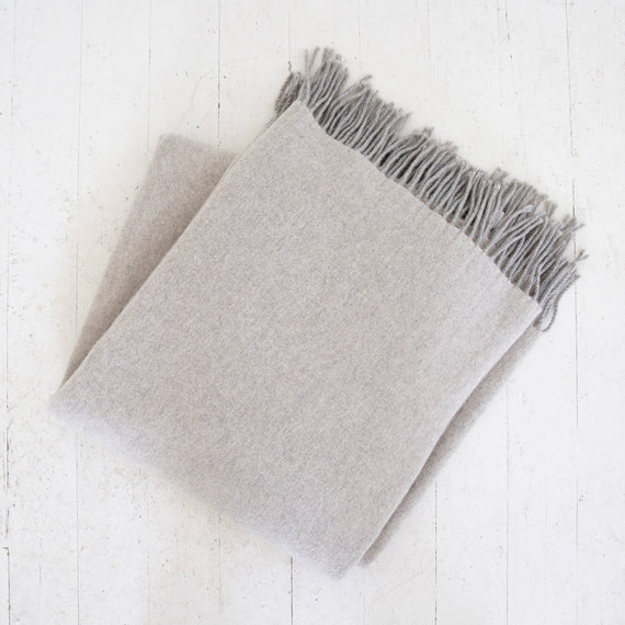 Clapa Vintage Heather Gray Throw