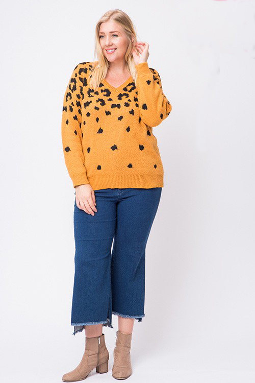 Curvy Leopard Fade Away Sweater