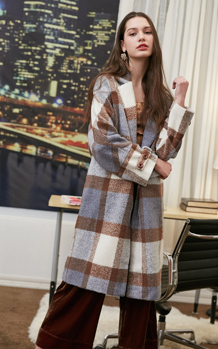 Stylish Plaid Patterned Winter Woolen Coat