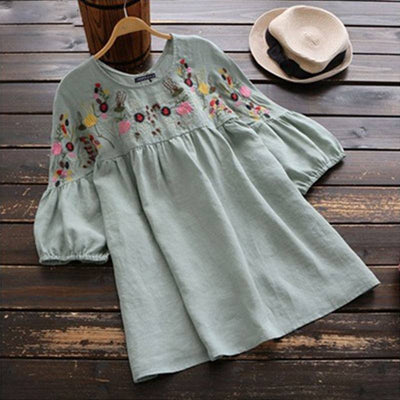 VINTAGE EMBROIDERED FLORAL TOP
