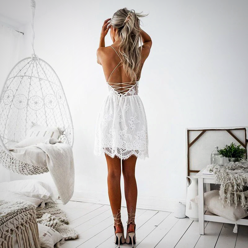 BACKLESS LACE SHORT DRESS