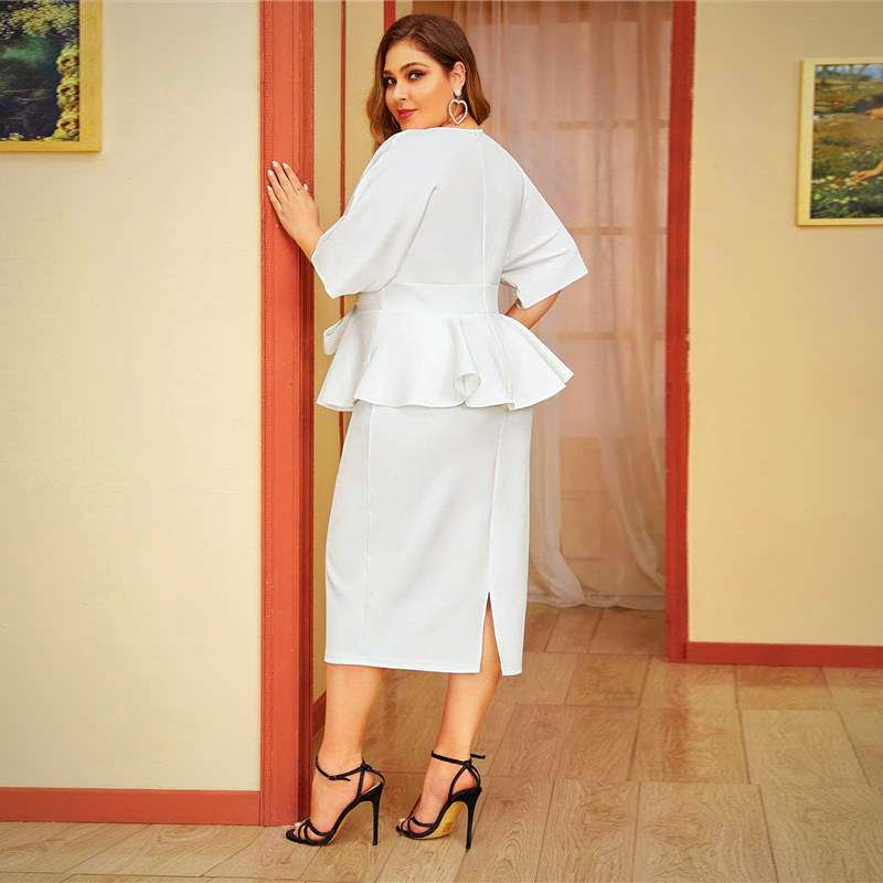 PLUS SIZE PLUNGING NECK SLEEVE DRESS