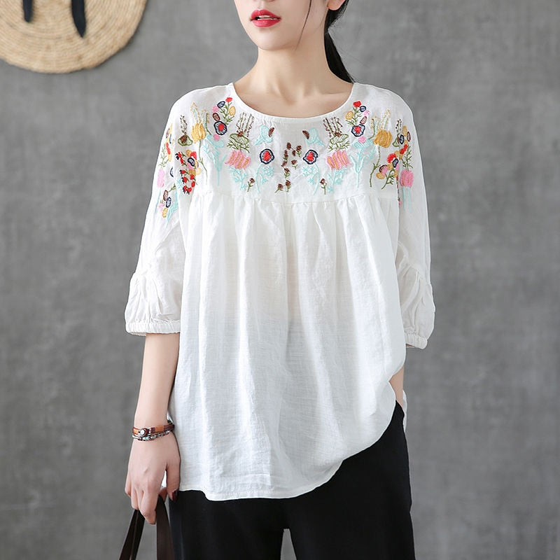 VINTAGE PLUS SIZE EMBROIDERY TOP