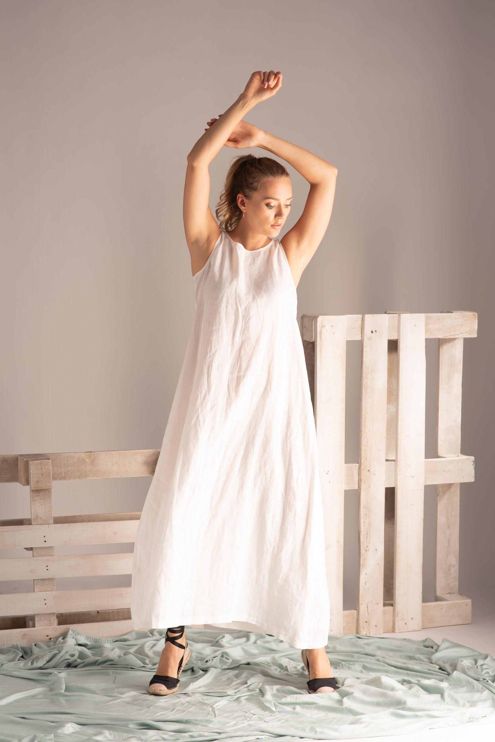 LOOSE FITTING LINEN LONG BOHO DRESS
