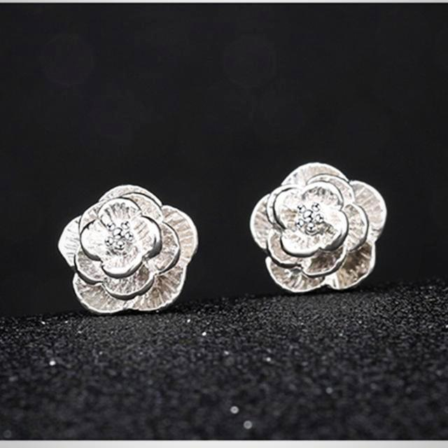 Handmade Fashion Daisy Flower Stud Earrings
