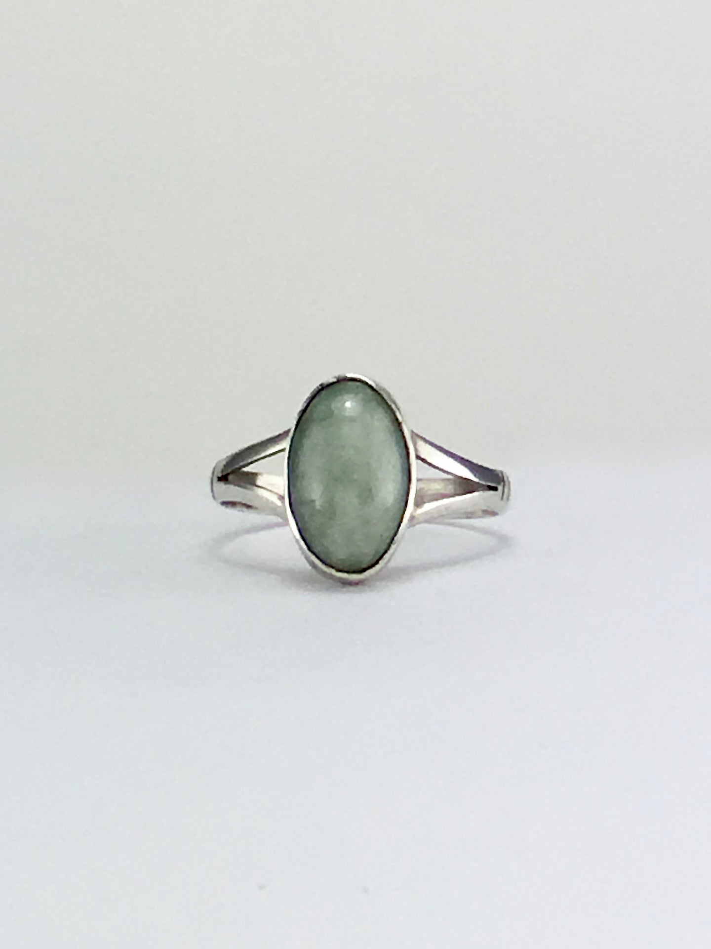 Light green oval jade cocktail ring