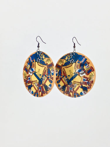 Coyolxauhqui print shell statement dangle earrings