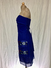 Sweetheart neckline strapless short dress in royal blue