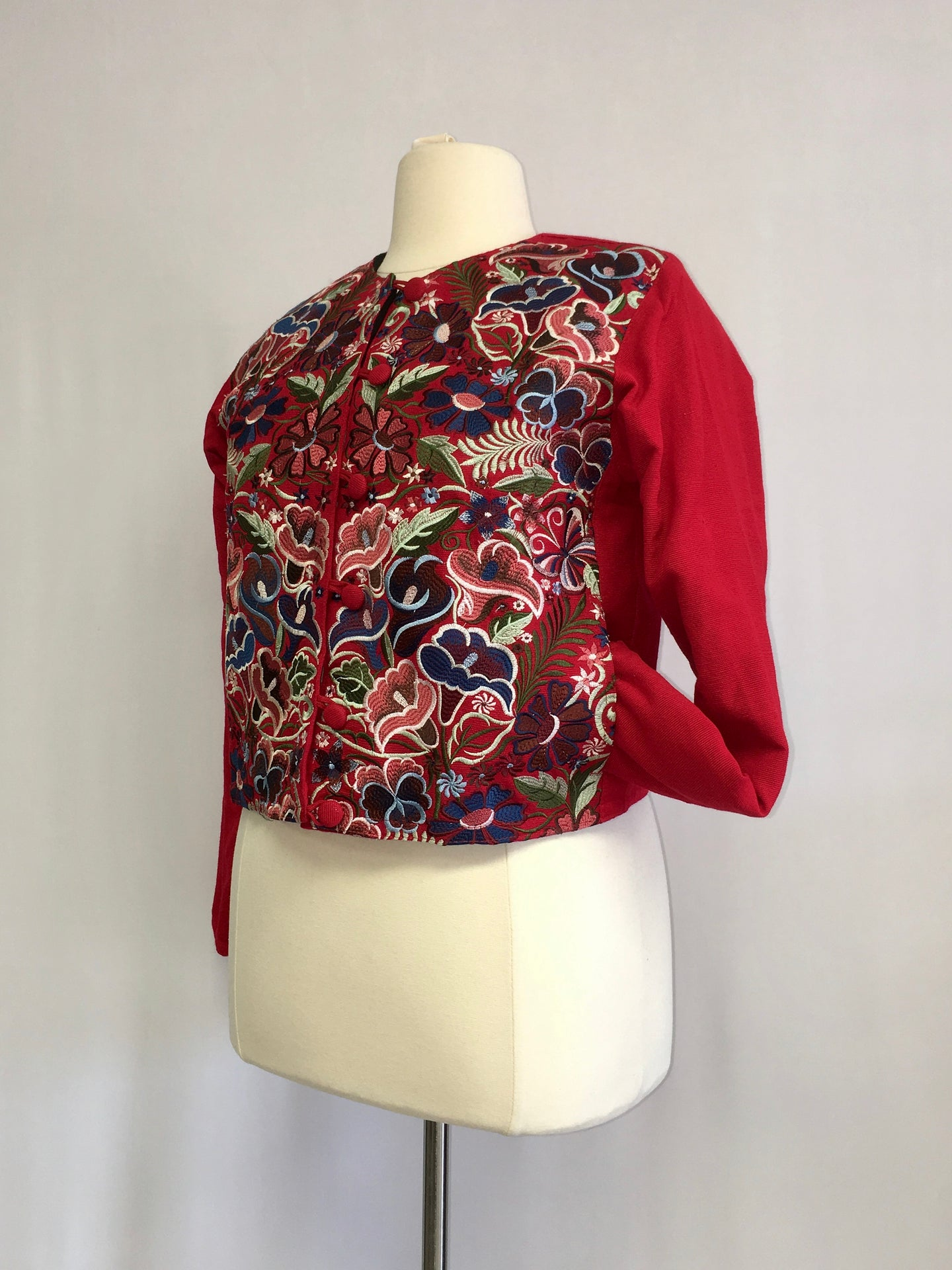 Up cycled guatemala huipil handcrafted short jacket round neck in red floral pattern 1