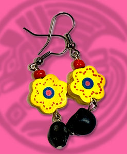 Sugar skull and flower dangle earring  black with yellow flower