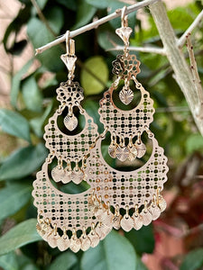Geometric lace design dangle chandelier style earrings 14k tricolor gold plating