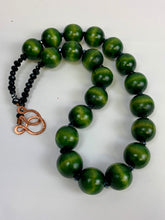 Green chunky wood necklace