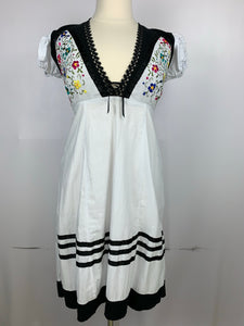 Copy of Full skirt sleeveless embroidered dress Chiapas style size 8