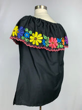 Off the shoulder blouse Yucatán style embroidery plus size