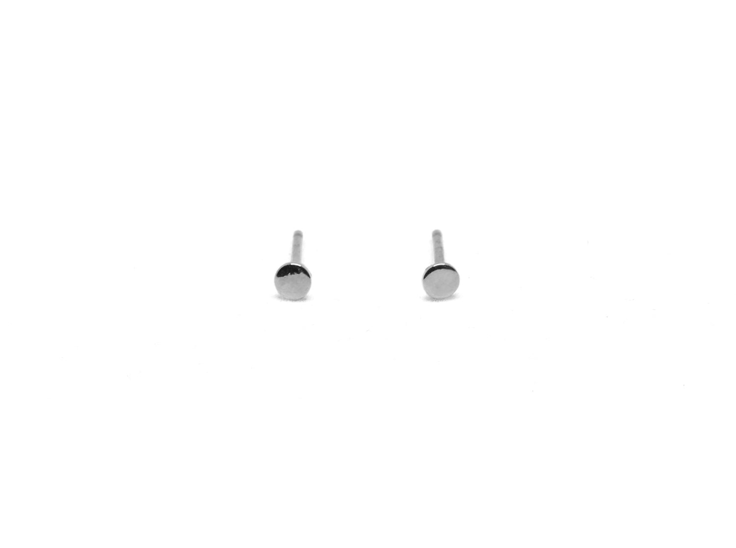 llayers jewelry earrings mini moon circle disk silver- boucles d'oreilles petit clou rond geometric lune argent